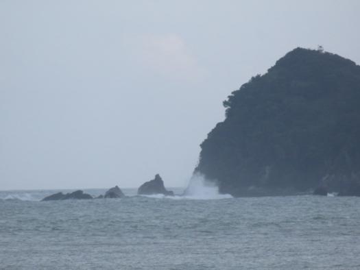 台風ウネリ強まり!