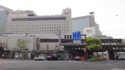 北側から見たホテル(マクドナルドそばから)
