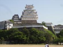 8:09 三の丸広場から見た姫路城