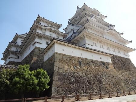 9:16 本丸(備前丸)から見た 姫路城