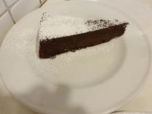 18:51 チョコ系のケーキ(夫)
