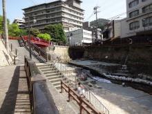 14:29 袂石からねね橋へ(有馬川沿い)