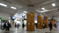 7:57 ホテルを出ると、JR三ノ宮駅コンコース
