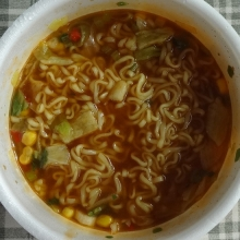 スープを入れ、混ぜて完成。
