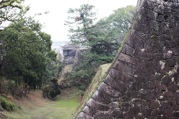 熊本城 空堀と石垣
