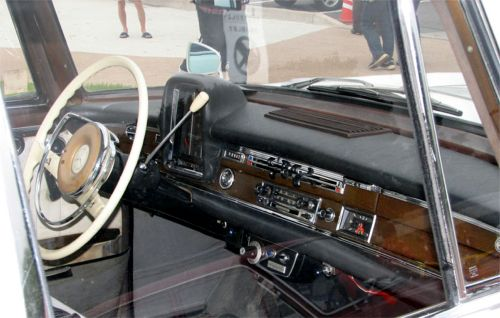 w112_300se_dashpanel1.jpg