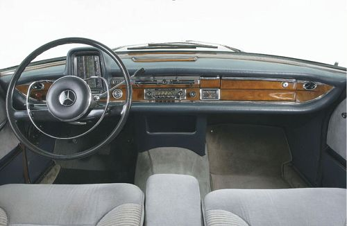 w112_300se_dashpanel6.jpg