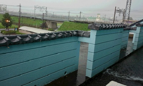 2016 9月 新旭教室前 雨