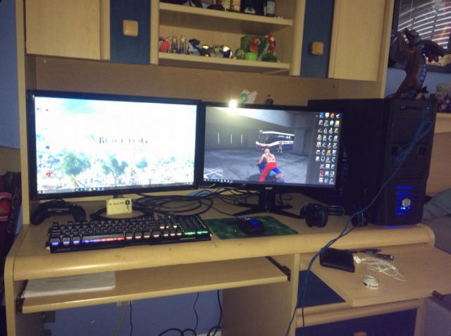 PC_Desk_MultiDisplay77_03.jpg