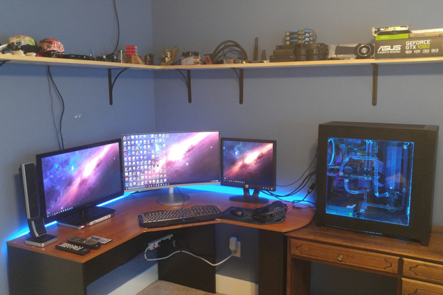 PC_Desk_MultiDisplay77_06.jpg