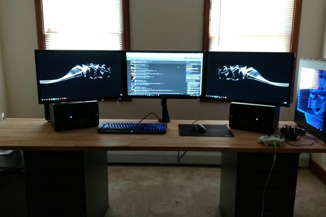 PC_Desk_MultiDisplay77_12.jpg