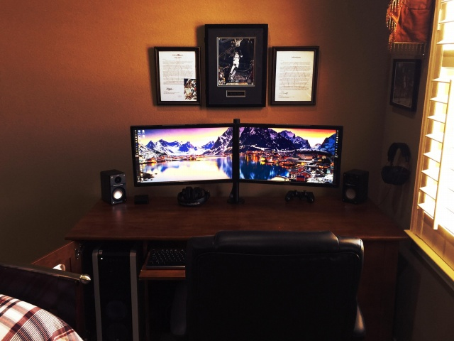 PC_Desk_MultiDisplay77_20.jpg
