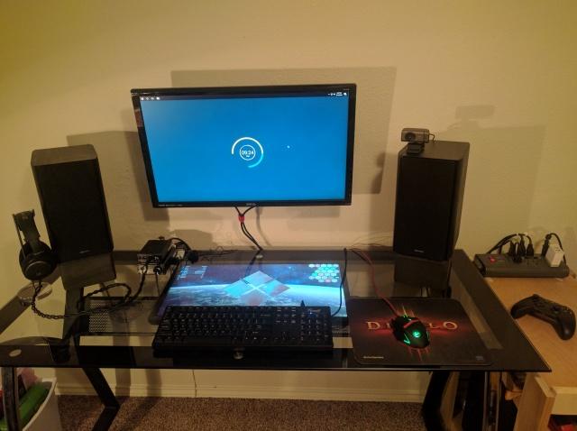 PC_Desk_MultiDisplay77_32.jpg