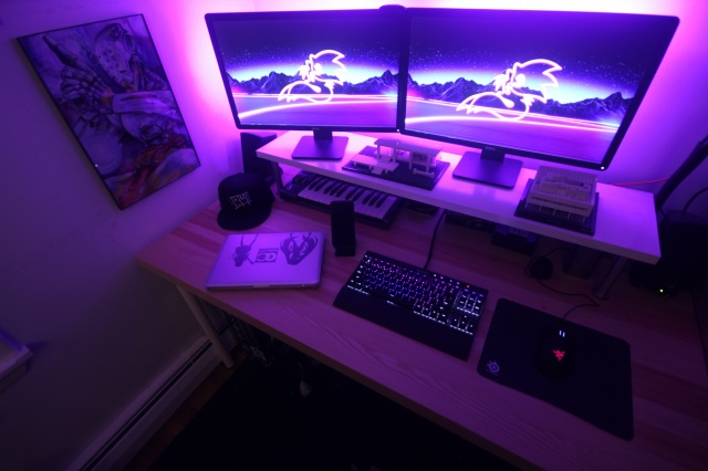 PC_Desk_MultiDisplay77_46.jpg