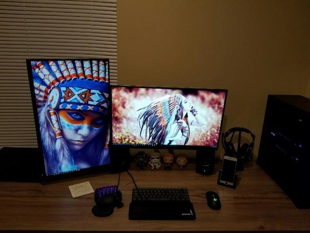 PC_Desk_MultiDisplay77_62.jpg