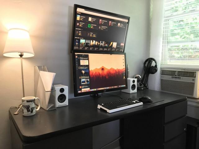 PC_Desk_MultiDisplay77_65.jpg