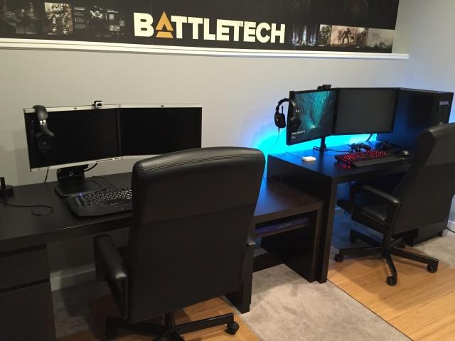 PC_Desk_MultiDisplay77_75.jpg