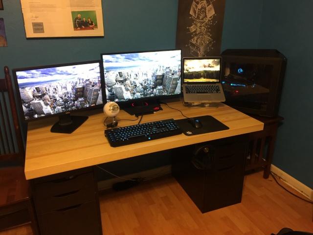 PC_Desk_MultiDisplay77_97.jpg