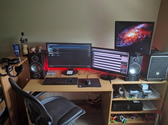 PC_Desk_MultiDisplay78_08.jpg