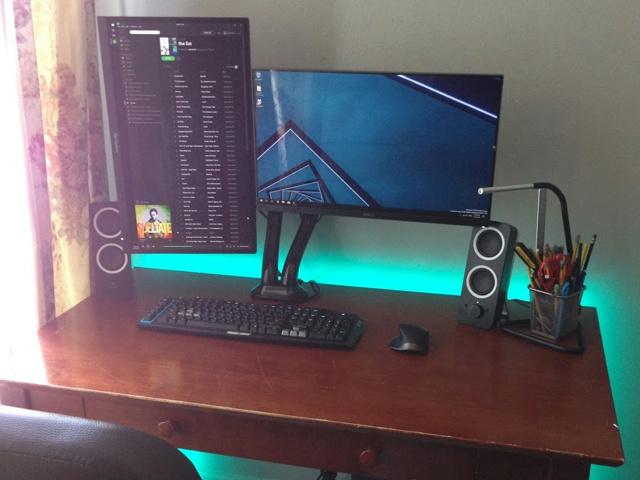 PC_Desk_MultiDisplay78_11.jpg
