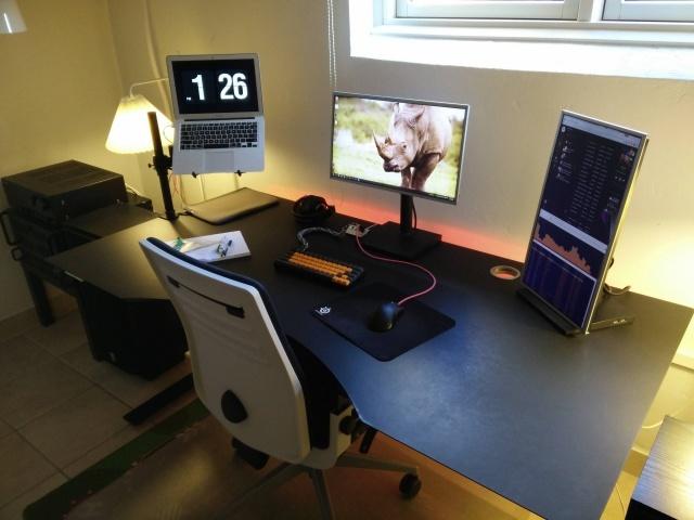 PC_Desk_MultiDisplay78_17.jpg