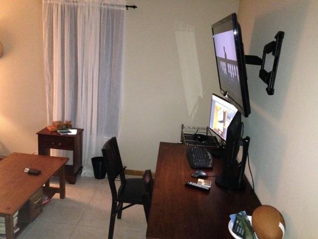 PC_Desk_MultiDisplay78_21.jpg
