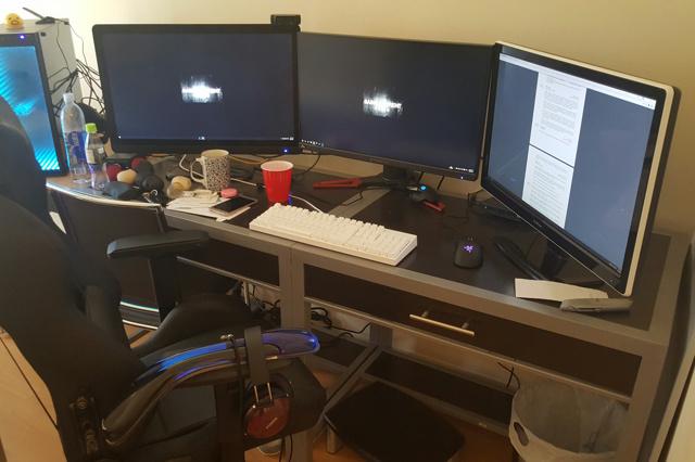 PC_Desk_MultiDisplay78_24.jpg