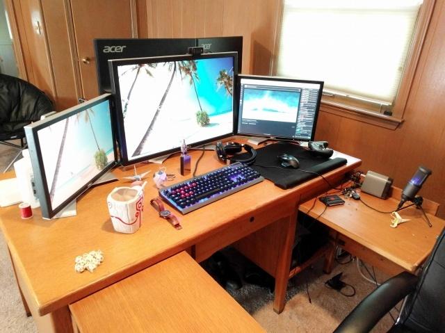 PC_Desk_MultiDisplay78_25.jpg