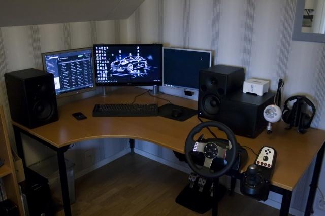 PC_Desk_MultiDisplay78_30.jpg