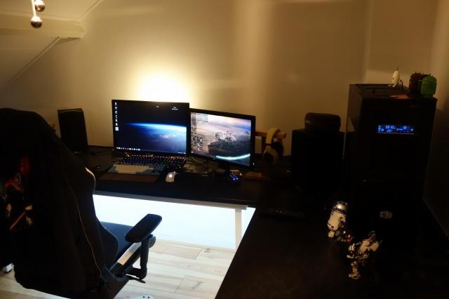 PC_Desk_MultiDisplay78_38.jpg