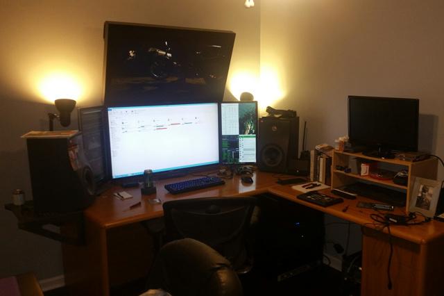PC_Desk_MultiDisplay78_43.jpg