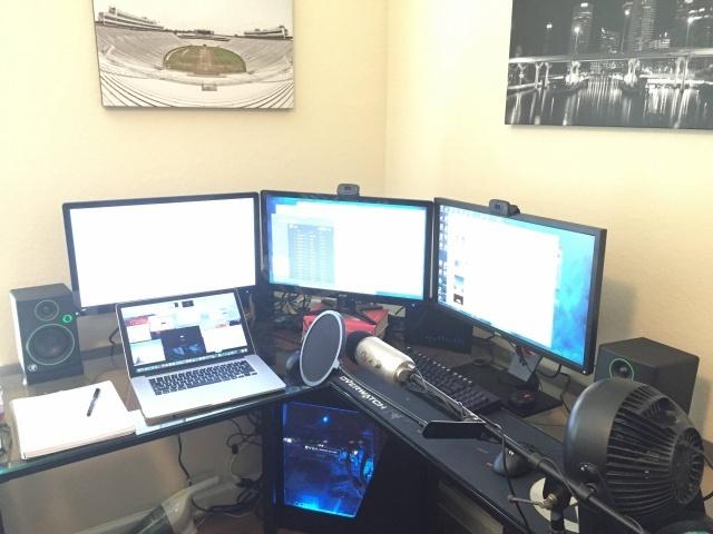 PC_Desk_MultiDisplay78_49.jpg