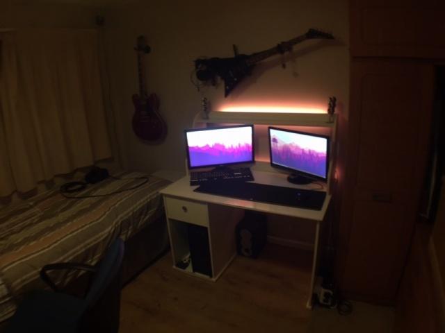 PC_Desk_MultiDisplay78_54.jpg