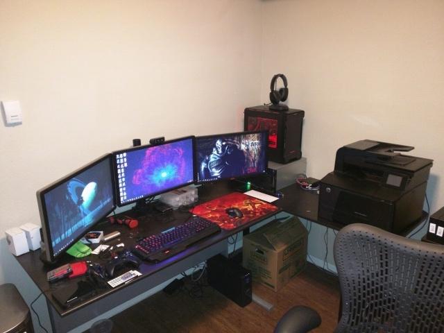 PC_Desk_MultiDisplay78_61.jpg