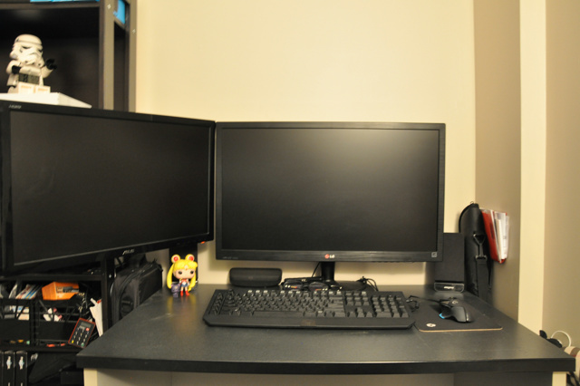 PC_Desk_MultiDisplay78_73.jpg