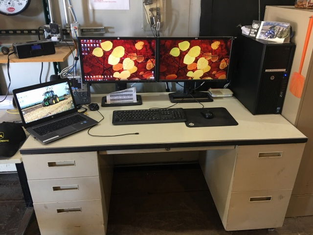 PC_Desk_MultiDisplay78_85.jpg