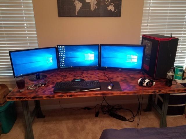 PC_Desk_MultiDisplay78_90.jpg