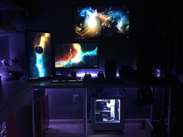 PC_Desk_MultiDisplay78_99.jpg