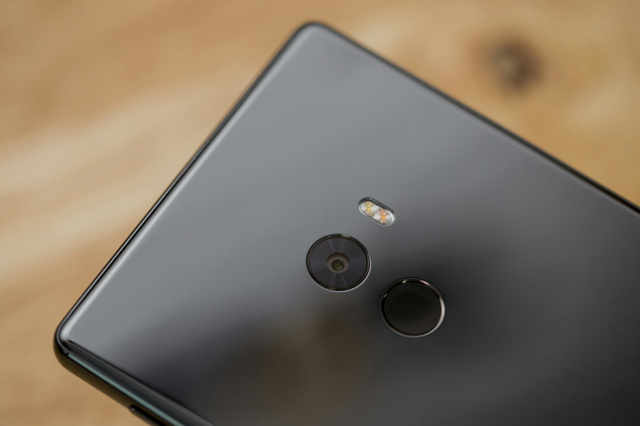 Xiaomi_Mi_MIX_06.jpg