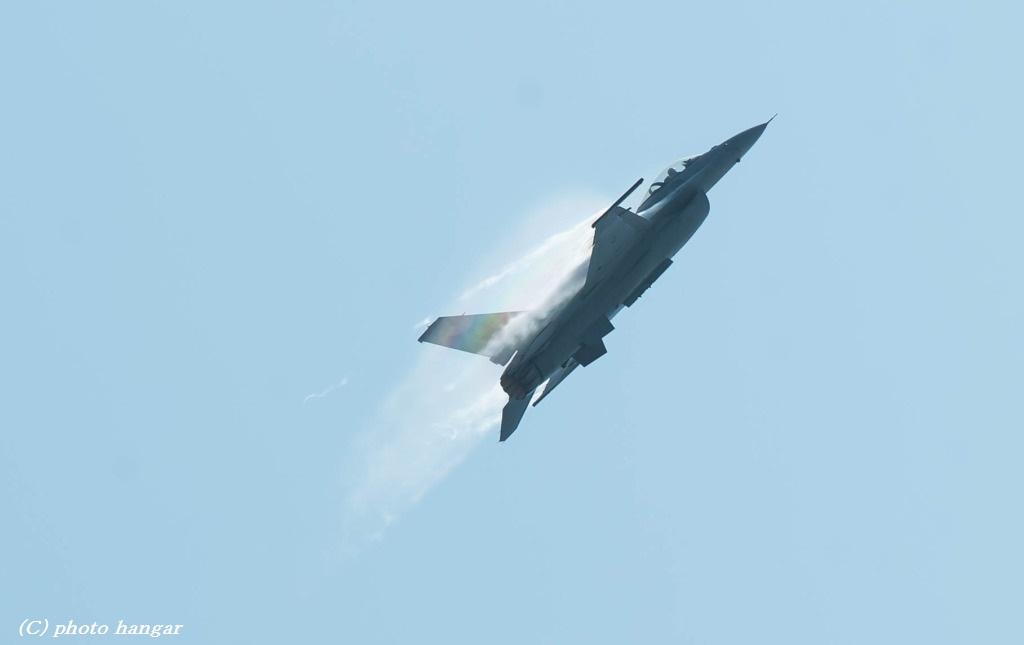 F-16 Fighting Falcon 01