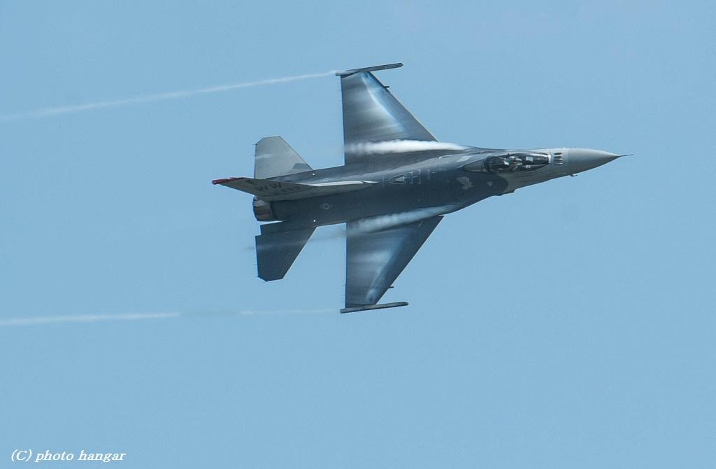 F-16 Fighting Falcon 02