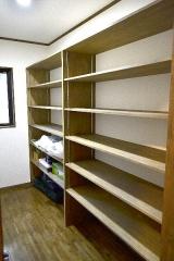 13納戸収納棚