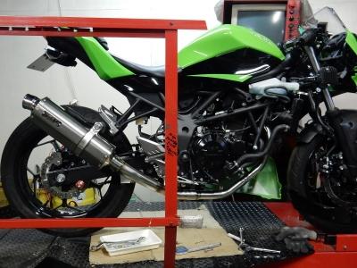 Ninja250SL JP250レース用マフラー (1)