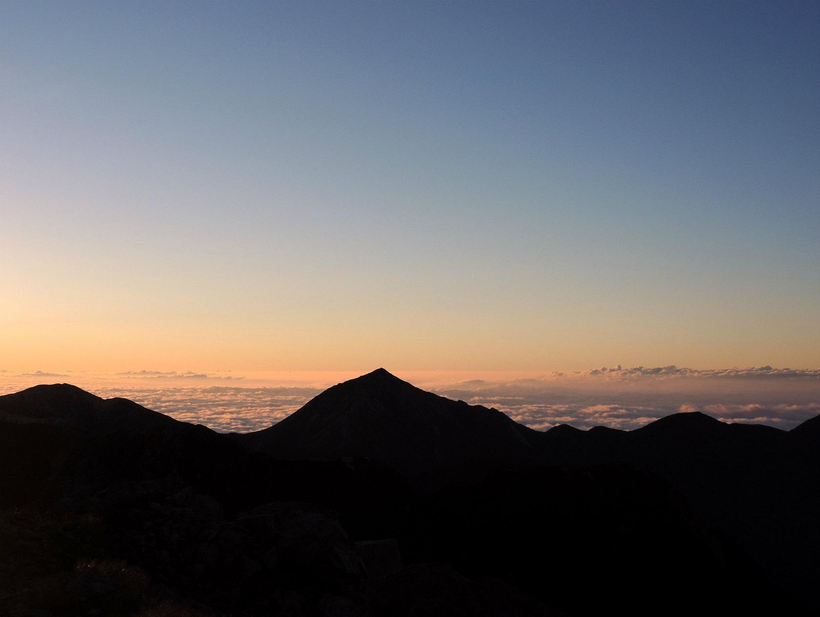 常念岳と雲海