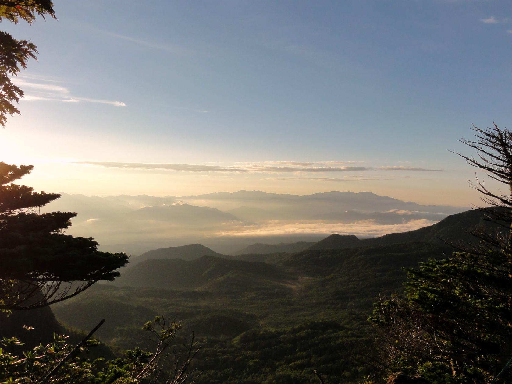見晴台から雲海を眺める