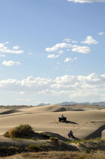blog TAKE 100 Delta, 93N, Little Sahara, Dune, Riders & Sky 2_27672-8.9.07.jpg