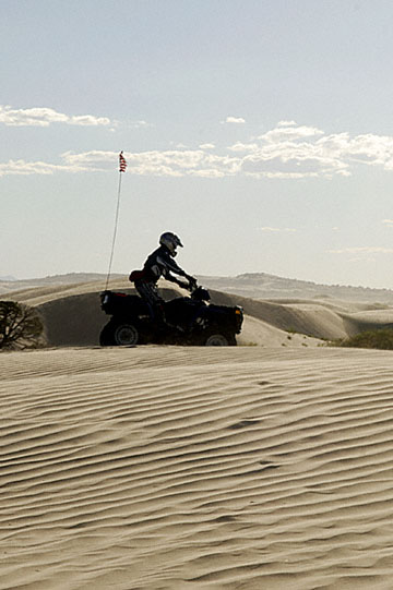 blog TAKE 100 Delta, 93N, Little Sahara, Dune, Rider & Sky 2_27674-8.9.07.jpg