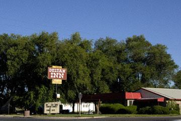 blog TAKE 100 Delta, 93N, Little Sahara, Motel 27708-8.9.07.jpg