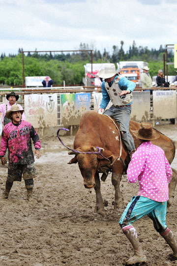 blog 24 D3S Oakdale Rodeo, Bull Riding 2-13, Jesse Aitken (NS Laytonville, CA) 2_DSC6080-4.10.16.(2).jpg