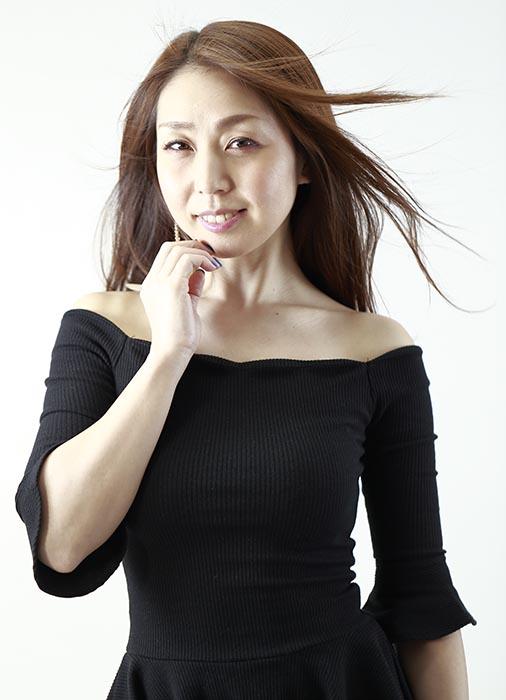 エル:黒服2